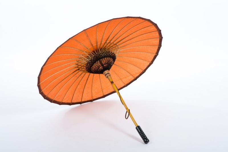 Asiatischer Sonnenschirm mood props and production equipment rental lisbon portugal